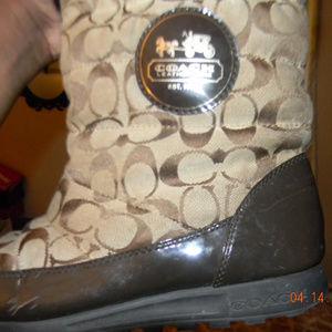 brown coach fur winter boots